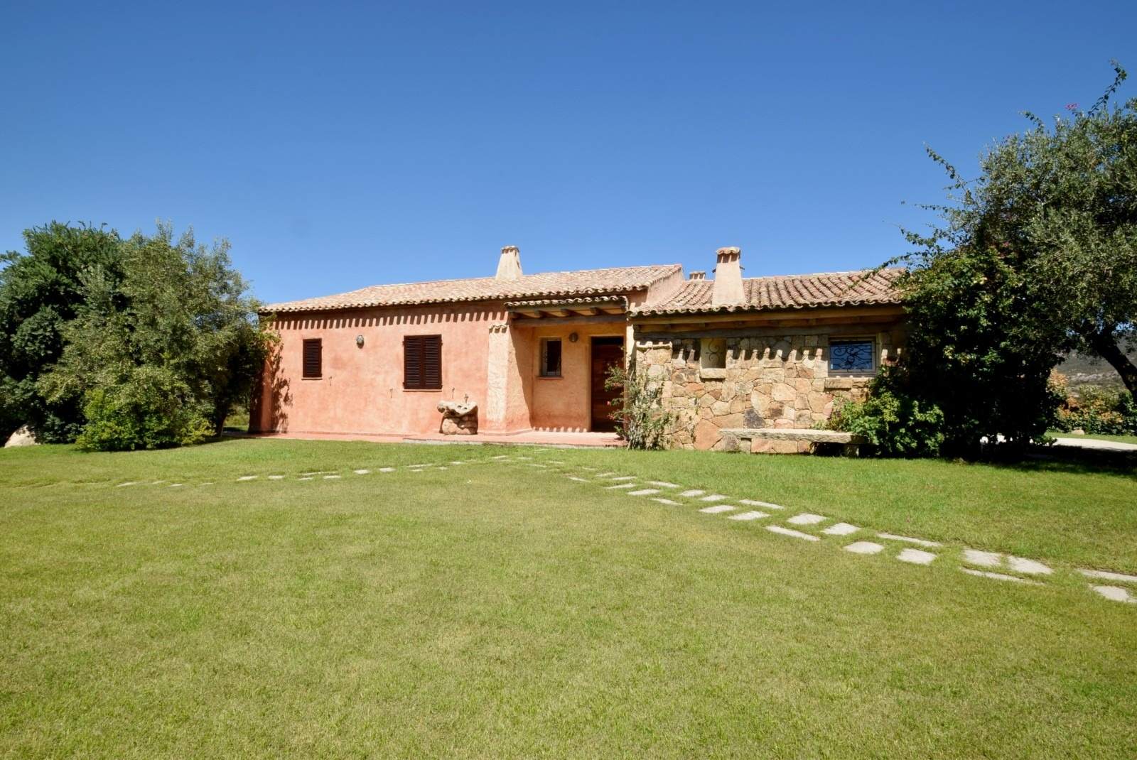 Villa with sea view Near The Exclusive Emerald Coast-Sardinia