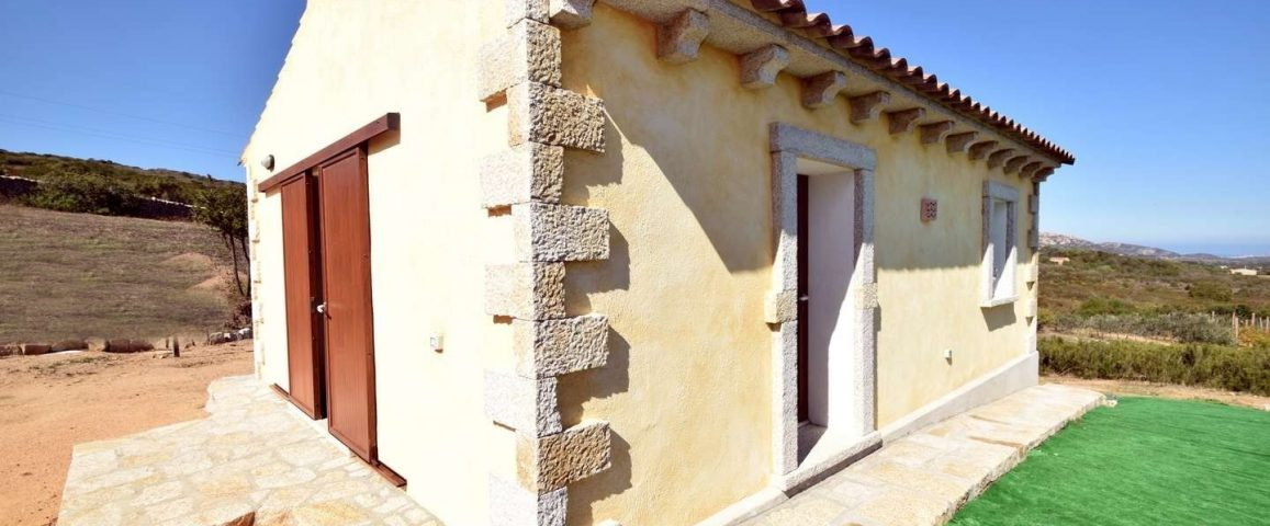 Country home  with sea view for sale in Arzachena