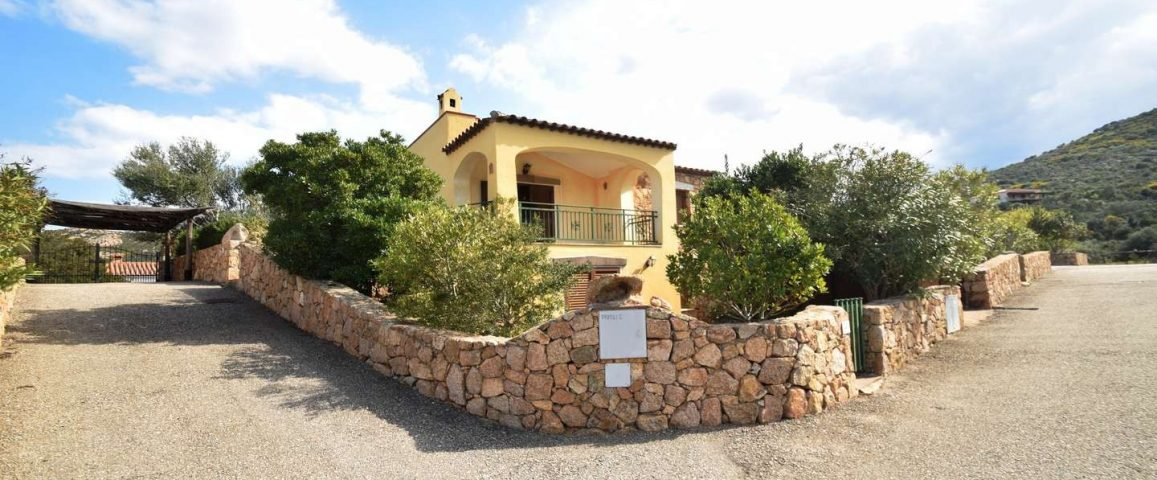 Spacious property for sale Olbia with sea view